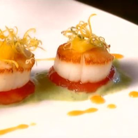 <p>Seared scallops with fennel and citrus</p>